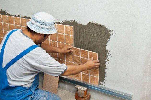 Укладка плитки в ванной на стены своими руками