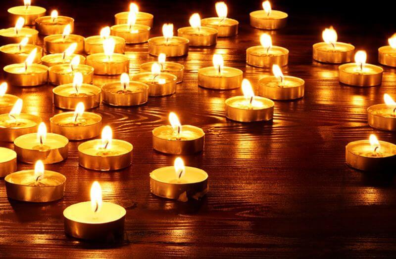 спальня в свечах