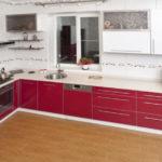 вешаем шкафы на кухне