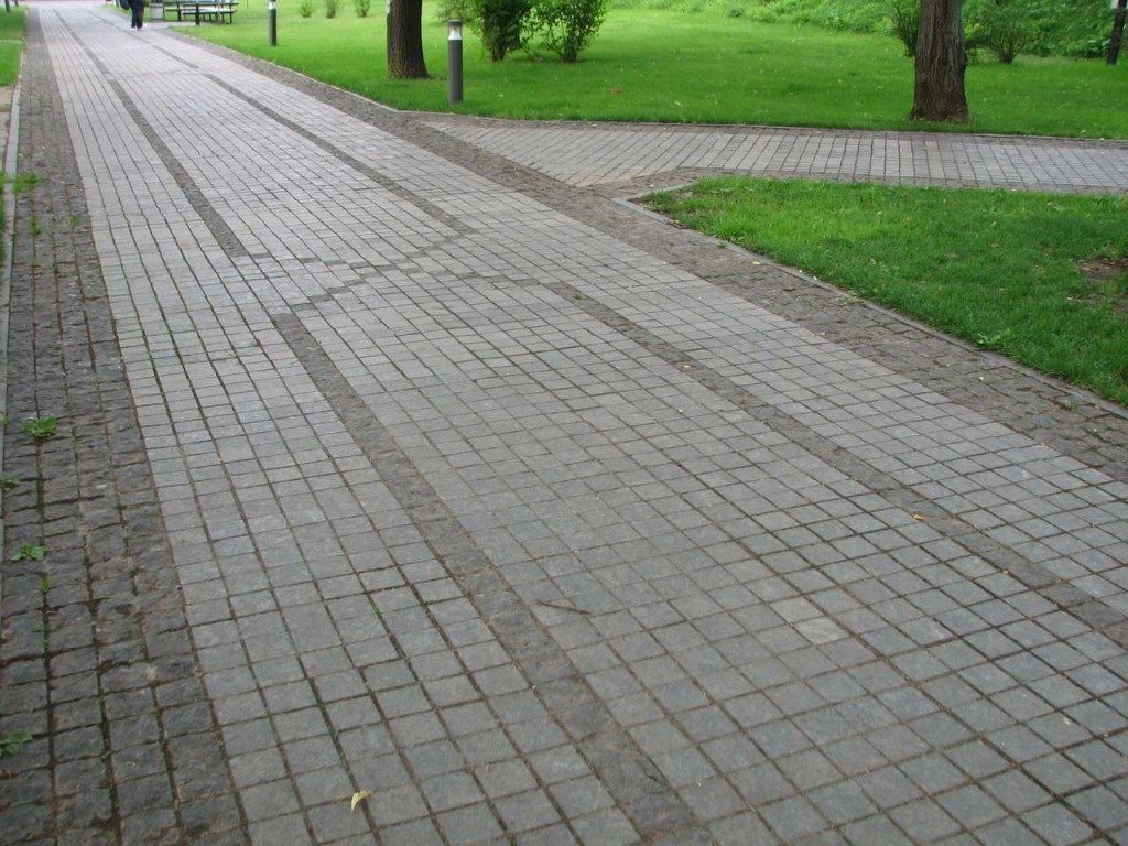 тротуар-из-брусчатки